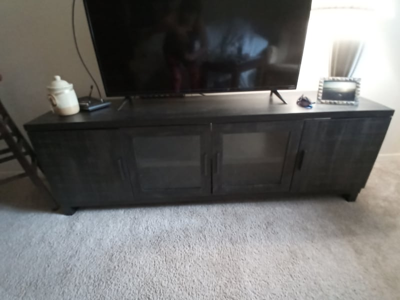 7.5ft aged pine entertainment center 7b5ee0f0-bead-431f-9e6b-1ec9a4f1f2c1