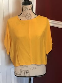 Zara ladies mustard coloured top size small Oakville, L6H 1Y4