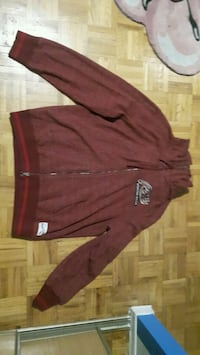 Roots sportswear red zip up hoodie Toronto, M1E 4W7