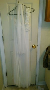 Dress and shoes size large and,6 1/2 used once Hartford, 36344