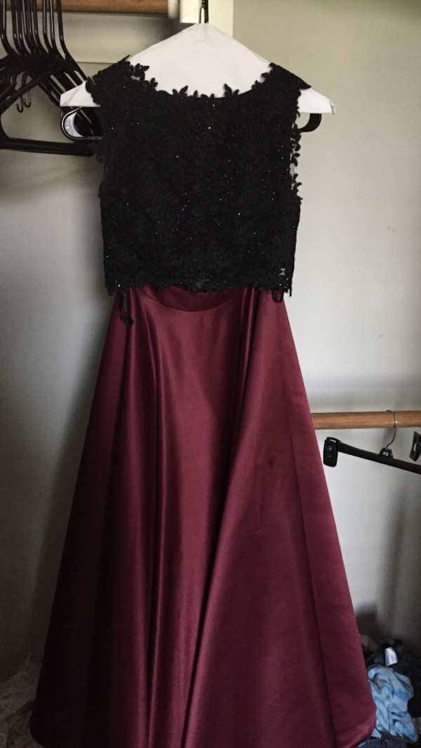 e3f0bec011d1 Used black maroon two-piece prom dress for sale in Fort Worth - letgo