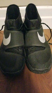Size 10 open to trades or offers  Kitchener, N2P 1Z7