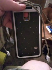 Galaxy s5 case and charger Southport, 28461
