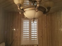 Bathroom Chandelier; mint condition  Hicksville, 11801
