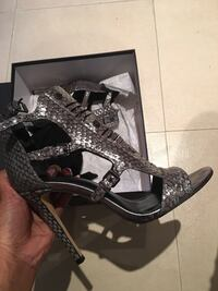 Pair of silver  leather open-toe heels Toronto, M6E 2M3