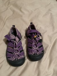 Keens Purple size 13 Youth Frederick, 21701