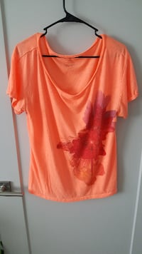 American Eagle Outfiters Feather Light Shirt Size XL Tempe