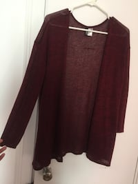 Burgundy cardigan from H&M (Size Small) Montréal