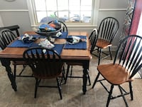 Kitchen Table with 6 chairs and leaf to extend table Lexington, 40503