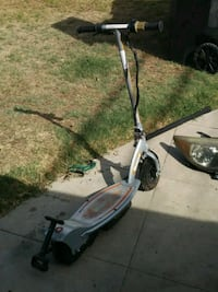 Razor electric scooter with charger Los Angeles, 90058