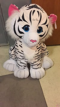 Used Brown And White Tiger Plush Toy For Sale In Toronto Letgo