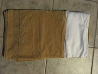 Moving Sale bed skirt double pick up only , L2G 7K6