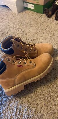 levi's work boots size  6.5 in women  Omaha, 68164