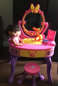 baby's pink and purple vanity table Mississauga, L5B 3R2