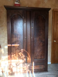 Solid wood armoire  Sykesville, 21784