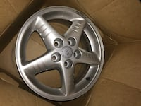 Pontiac factory wheels like new Saint Clairsville, 43950