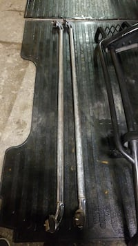 Box rails 6ft and rubber matt NEED IT GONE New Westminster, V3M 6R3