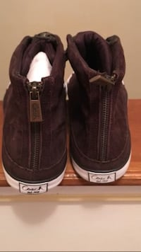 Pair of brown suede boat shoes Atlanta, 30311