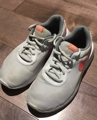 Kid girl Nike shoes size 2Y