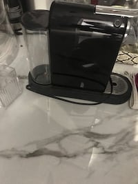 Selling a used Nespresso in great condition  Toronto, M6B 1Z7