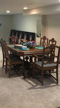 Antique Dining table with 6 chairs Mc Lean, 22101