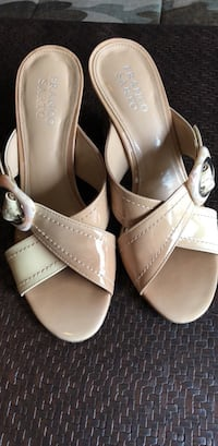 Franco Sarto open heels! Great details...size 7. I have the same shoe in hombre gray Woodbridge, 22193