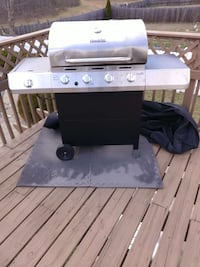 stainless steel char broil four burner gas grill Locust Grove, 22508