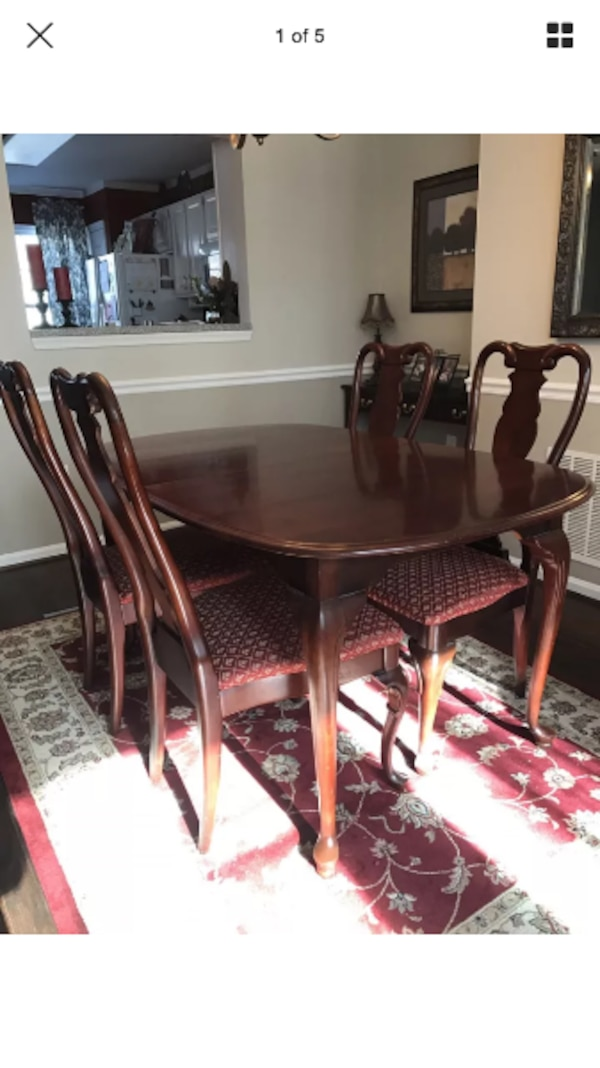 Sumter Wueen Ann Style Solid Cherry Wood Dining Set