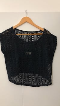 Hollister crop top Vancouver, V5W 1S2