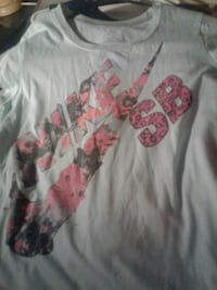 white and pink floral crew-neck shirt St Louis, 63136