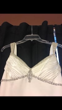 David's bridal wedding dress size 4p. See pics. Need gone today. Check my other listings Toms River, 08757