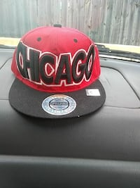red and black New Era 9Fifty snapback Chicago, 60639