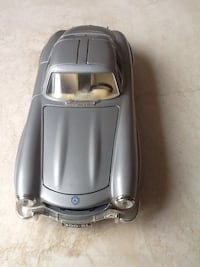 Mercedes-300SL  made by Burago of Italy. 1954.  1: 24 scale. Surrey, V3X
