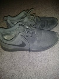 Nike all black shoes size 9 Kennewick, 99337