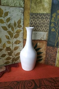 white and black ceramic vase Albuquerque, 87123