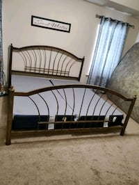 KING Sized Metal Bed Frame Douglasville, 30135