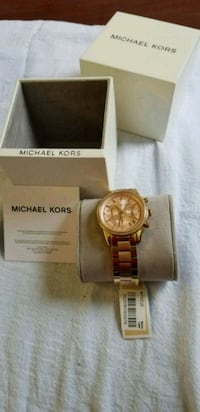 round gold Michael Kors chronograph watch with lin Centreville, 20121