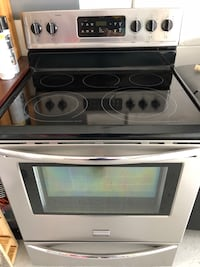 White and black induction range oven Winter Haven, 33881