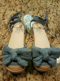 pair of blue-and-brown sandals Franconia, 22310