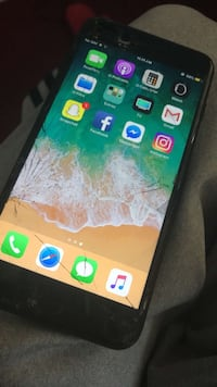 iPhone 7 Plus black 32 gb unlocked for any carrier Just needs a new screen but the phone works perfectly fine asking $250 or best offer Salinas, 93905