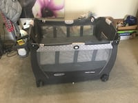 Graco pack and play with changing table and bouncing chair Glen Burnie, 21060