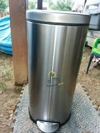 stainless steel pedal trash bin Temple Hills, 20748