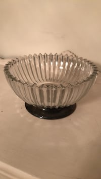 fluted glass serving bowl w. silver base Silver Spring, 20906