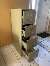 Metal filing cabinet, good condition