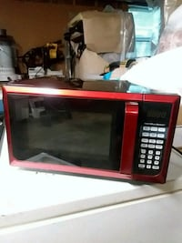 Red microwave  Martinsburg, 25403