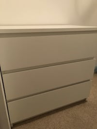 Ikea malm 3 drawer dresser Miami Beach, 33139