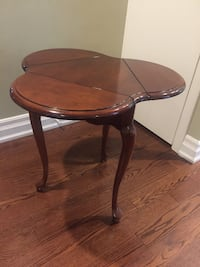 Mahgony 3 leaf table Toronto, M3B 2T2