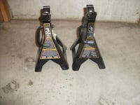 3 TON JACK STANDS. NEW IN BOX. Glendale