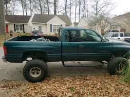 1997 Dodge Ram Pickup 1500 4X4 CLUB CAB SWB