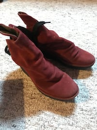 Fly London boots size 38 (7.5) Hamilton, L9B 0C7